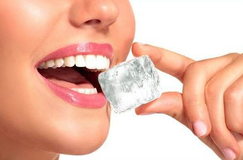 Cách chăm sóc răng implant sau khi cấy ghép 5
