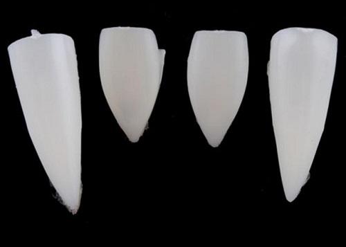 cách làm răng nanh như ma cà rồng -5