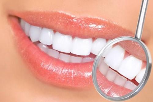 làm răng sứ thẩm mỹ nguyên hàm