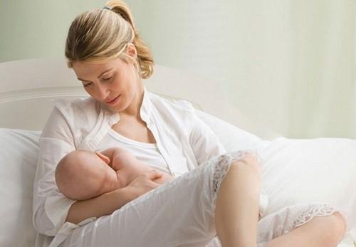 phụ nữ sau khi sinh con có làm răng sứ được không 1