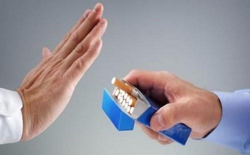 răng bị vàng do hút thuốc có tẩy trắng được không 3