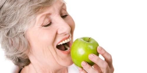 răng sứ zirconia ăn nhai chắc chắn
