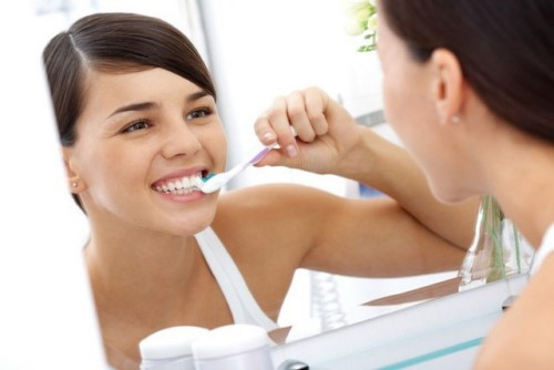làm cầu răng sứ có sử dụng vĩnh viễn được không 6