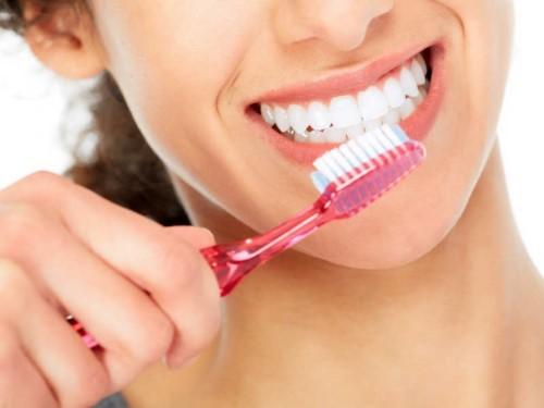 chăm sóc răng giả đúng cách