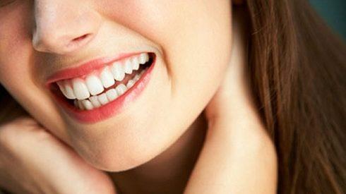 bao nhiêu tuổi có thể tẩy trắng răng được 1