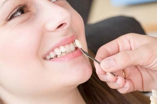mang thai 38 tuần có làm răng sứ được không 1