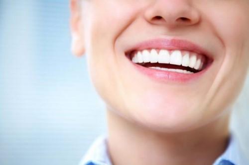 nhổ mất răng số 8 có nên trồng lại không 1
