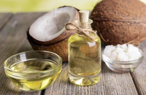 tẩy trắng răng bằng dầu dừa