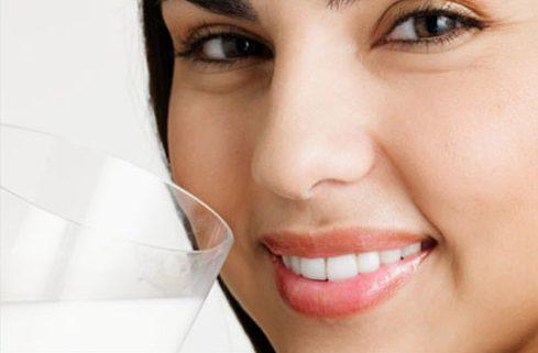 Những cách làm trắng răng tại nhà đơn giản 8