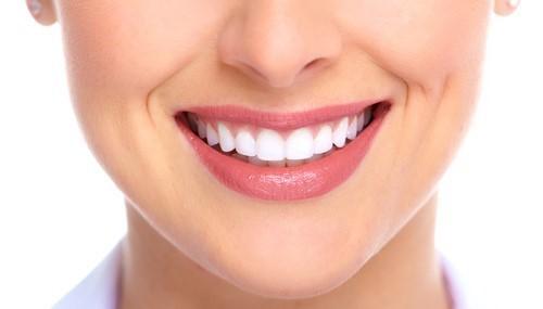răng vừa thưa vừa hô có nên bọc sứ không 4