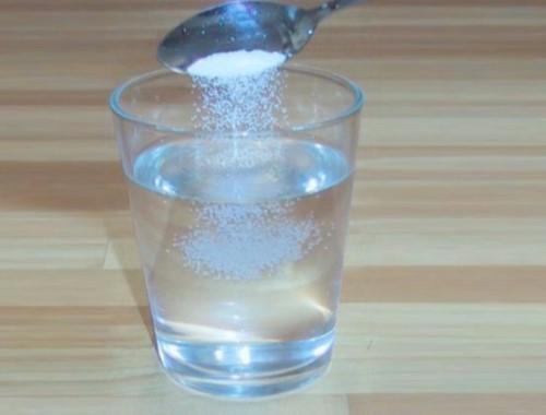 giảm đau do sâu răng bằng nước muối
