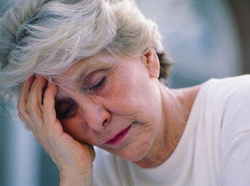 bệnh đau răng ở người già 4