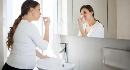 vệ sinh răng miệng hàng ngày