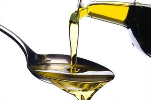 cách tẩy trắng răng bằng dầu oliu tại nhà 3
