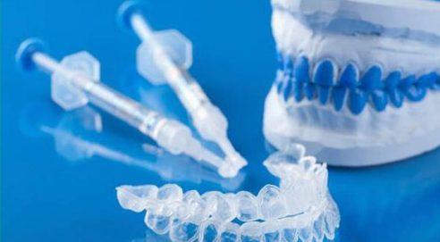 Cách tẩy trắng răng tại nhà bằng máng tẩy 5