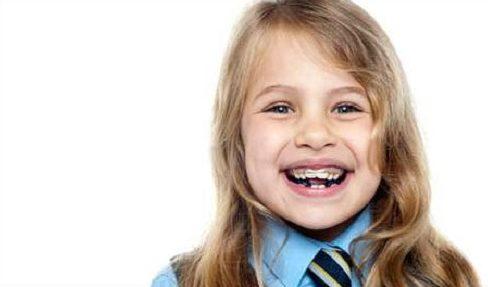có nên sử dụng niềng răng tháo lắp cho trẻ em hay không 2
