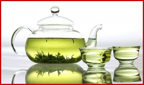 chữa hôi miệng nhanh chóng bằng trà xanh