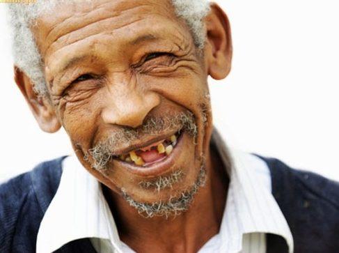 người già còn mọc răng được không 5
