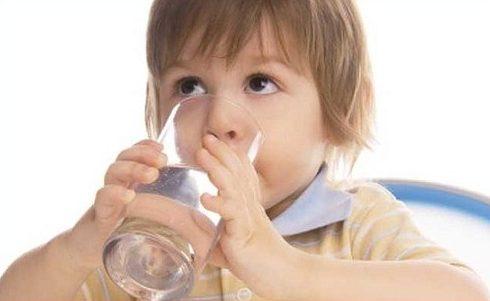 uống nước đá có làm sâu răng không 2