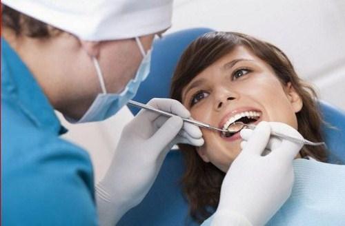 Bao nhiêu tuổi thì trồng răng implant 2