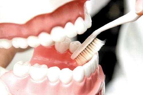 khuyết điểm lớn nhất của răng giả tháo lắp 1