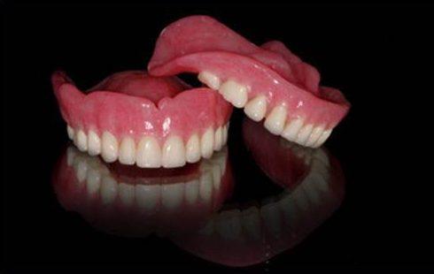 Khuyết điểm lớn nhất của răng giả tháo lắp