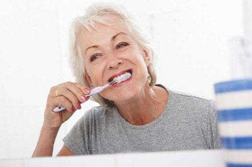 Mất răng nhai có nên trồng răng implant không-5