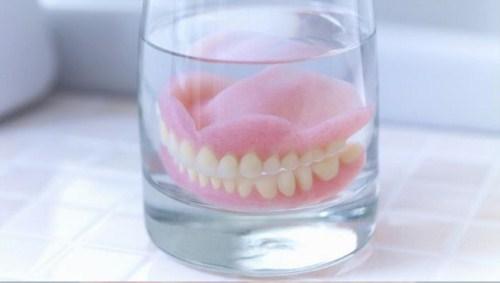 Trồng Răng Implant Có Ảnh Hưởng Gì Đến Sức Khỏe Không-3