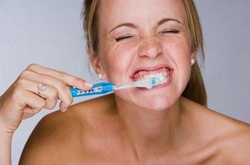 Phương Pháp Trồng Răng Implant Có Bị Hôi Miệng Không 2
