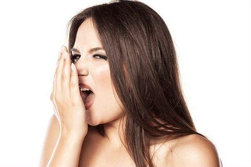 phương pháp trồng răng sứ có bị hôi miệng không 3