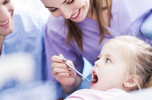 bảng giá nhổ răng sữa tại nha khoa đông nam 3