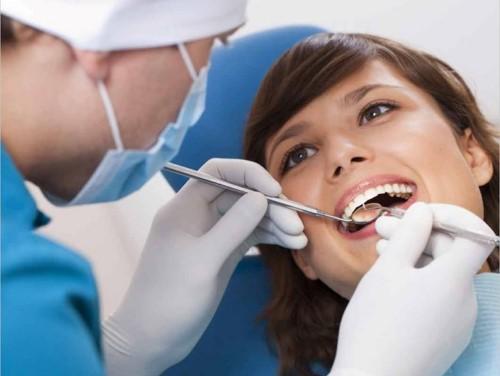 điều trị răng miệng tại nha khoa