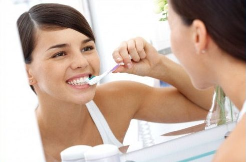 độ bền của răng sứ là bao nhiêu năm 6