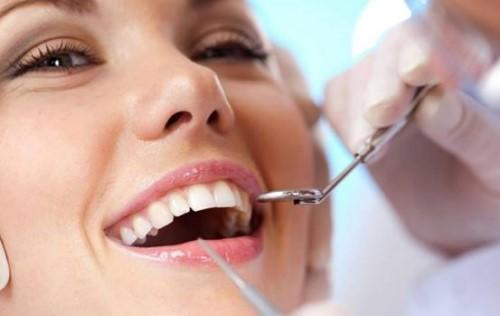 bọc răng sứ emax