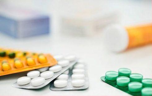 Sau nhổ răng có nên uống thuốc giảm đau 2