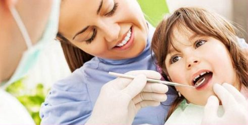 Nhổ răng xong có cần thiết may viết thương không 3