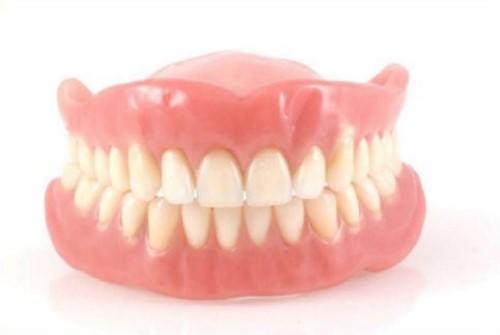vì sao nên trồng răng implant sau khi mát răng