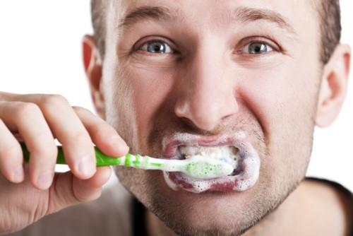 các nguyên nhân gây khuyết cổ răng 2