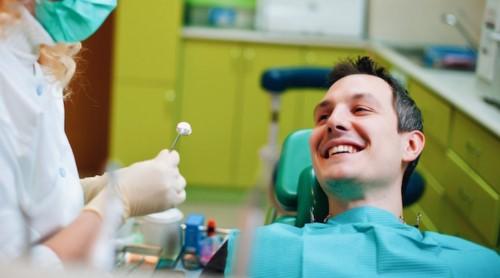 các nguyên nhân gây khuyết cổ răng 5