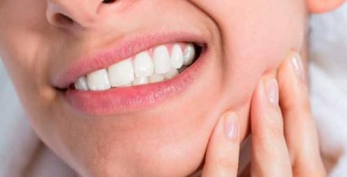 nghiến răng ban đêm khi ngủ