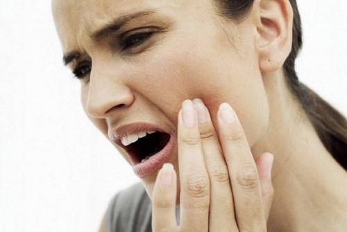 nguyên nhân gây áp xe răng