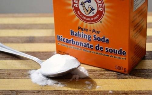 chữa nhiệt miệng với baking soda
