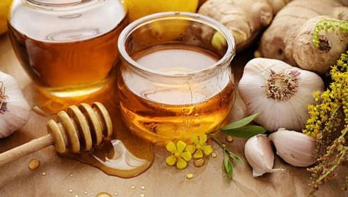 chữa chảy máu chân răng bằng mật ong
