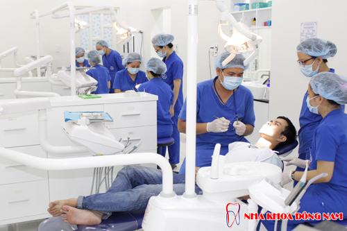 nha khoa trồng răng implant