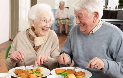 cấy implant cho người già