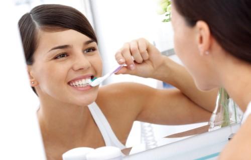 khắc phục hôi miệng sau khi nhổ răng khôn