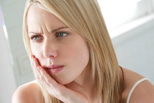 mẻ răng gây ê buốt