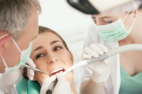 mọc răng khôn đau nhức