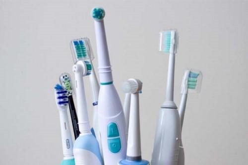 bàn chải đánh răng điện