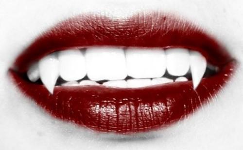răng nanh